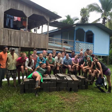 Abby Johnson '17 and her service group in Costa Rica