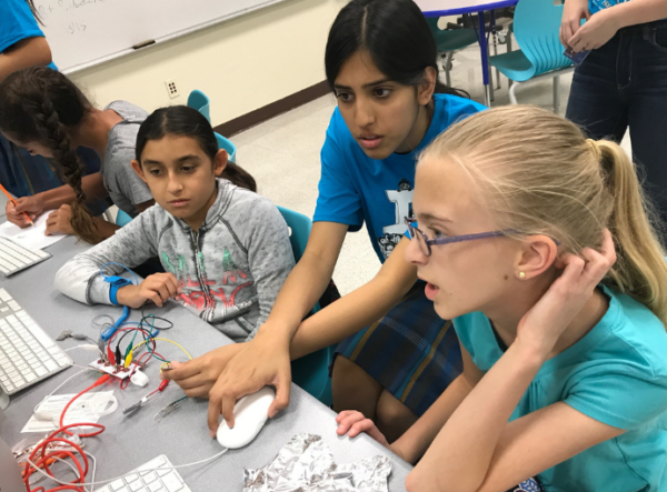 Misaal Irfan' 19 teaches middle school students the importance of computer coding