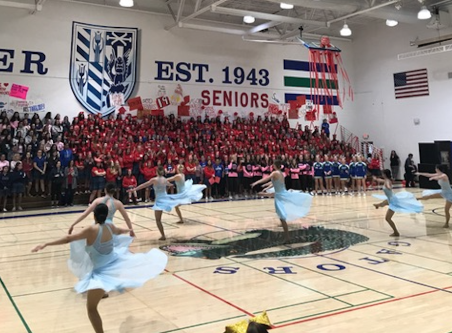 Xavier+Spiritline+Pom+performs+their+Jazz+routine+at+the+Spring+Sports+Rally.+Students+and+staff+alike+loved+watching+their+beautiful+perform+and+were+left+in+awe+of+the+talent+of+Xavier%E2%80%99s+finest+dancers.+Photo+by+Emmie+Halter+%E2%80%9821.
